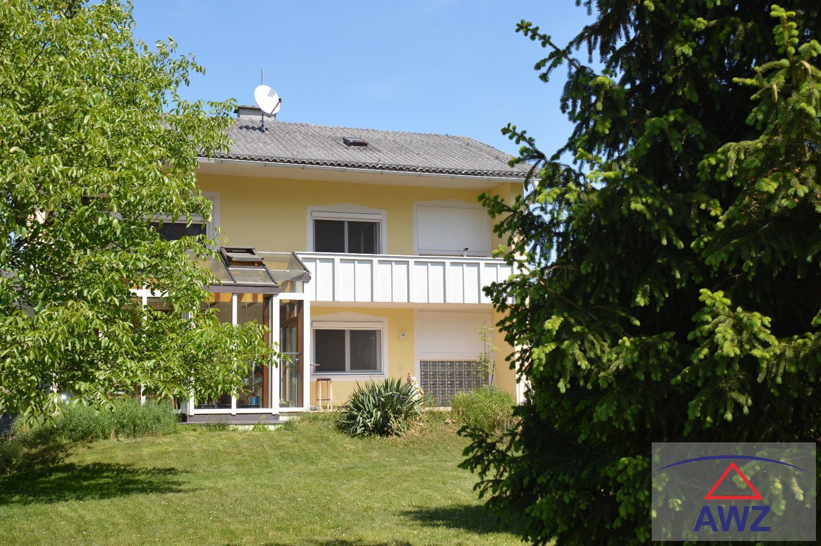 Mehrfamilienhaus am Welser Stadtrand mit mehr als 1500 m² Garten !!