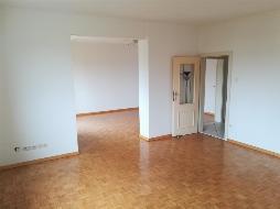 TOP - Gelegenheit - Sonnige und schöne Wohnung mit Balkon!