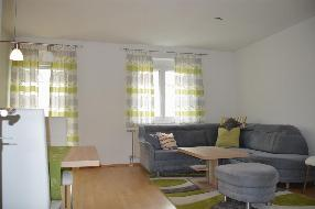 ERSTE KLASSE!! Schöne, ruhige Wohnung in einer Sackgasse mit Loggia und Tiefgarage!!