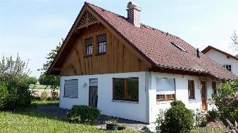 Zeitlos schönes Einfamilienhaus in einer tollen Wohngegend! Keller inklusive!