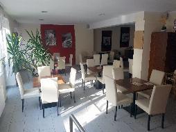 Kaffeehaus / Pub mit Konditorei und Wohnung