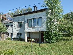 Älteres Wohnhaus mit Renovierungsbedarf!
