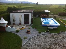 Sehr ansprechendes Ein- bis Zweifamilienhaus mit Pool auf großem Grundstück