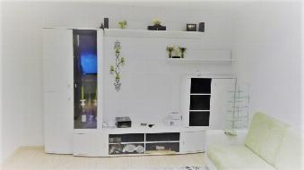 Preiswerte Familienwohnung mit moderner Maßküche!