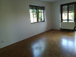 Schöne 4 Zimmer Wohnung im Erdgeschoß zu vermieten
