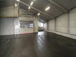 Lager- und Produktionshallen mit Büro zum Mieten