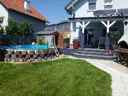 Sehr gepflegte Doppelhaushälfte in guter Lage mit Pool