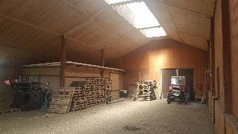 Lagerhalle mit Landwirtschaftsgrund!