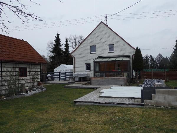 Wohnhaus mit ca. 800 m² Grund in sehr guter Lage!