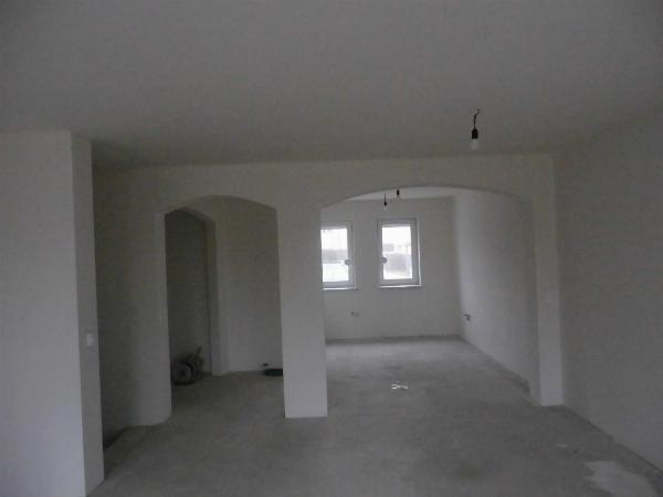 Sie und einer Ihrer Freunde wollen umziehen? Wir haben das geeignete Doppelhaus für Sie!